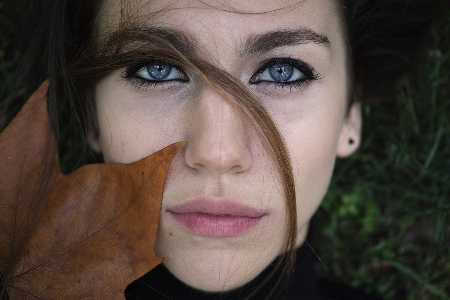 How to reduce puffiness around the eye